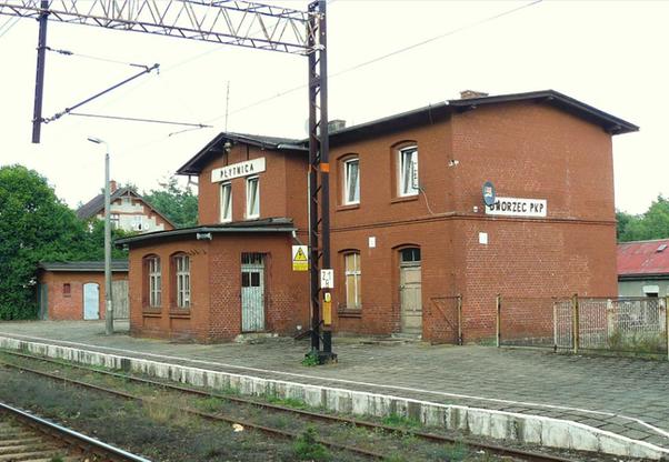 Stacja PKP w Płytnicy (zdjęcie z 2010 r.)