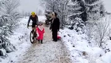 Rowerzysta kopnął 5-latkę, bo nie zdążyła zejść z drogi [WIDEO]