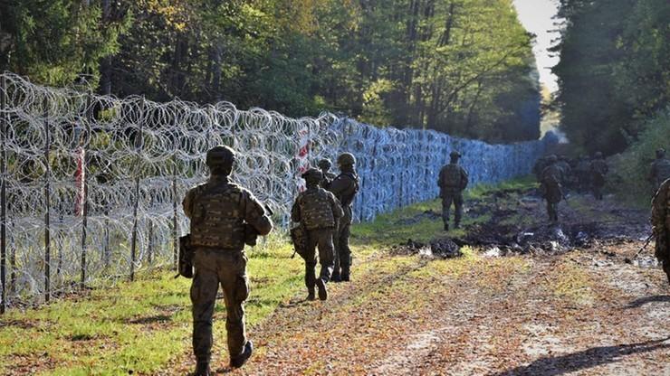 Zmiany w prawie. Chodzi o odsyłanie migrantów i kary za niszczenie ogrodzenia