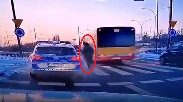 Policjant potrącił mężczyznę na pasach. Wszczęto postępowanie dyscyplinarne