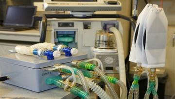 Wynalazek ratujący życie chorych na koronawirusa. Dwuosobowy respirator z Polski