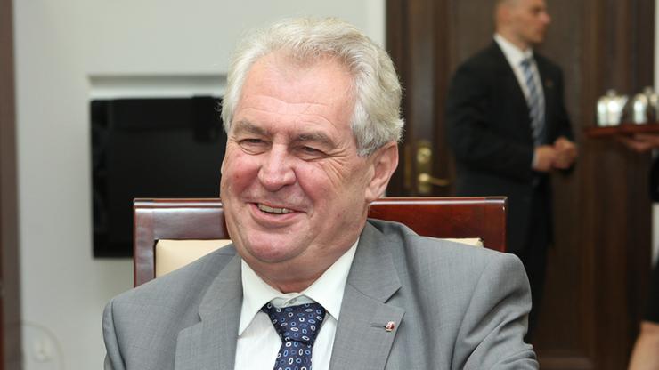Czechy: prezydent Zeman złamał rękę. Przejdzie operację
