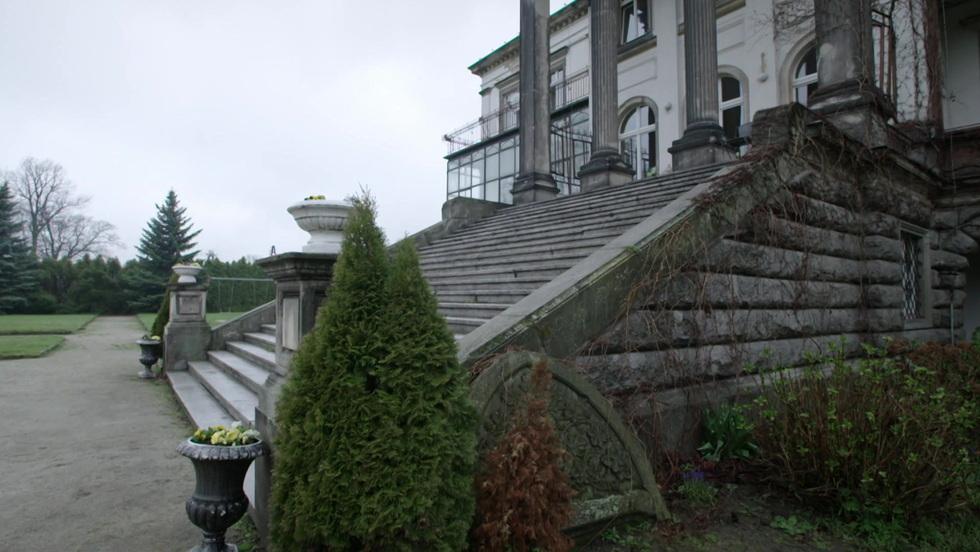 Tajna historia XX w. - Pałac na uboczu